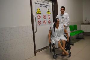Cadeira de rodas para ressonância magnética